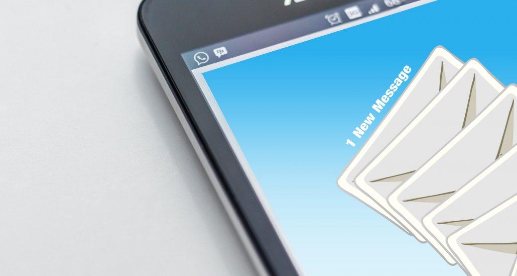 Fylld inkorg med e-post om medarbetarenkät